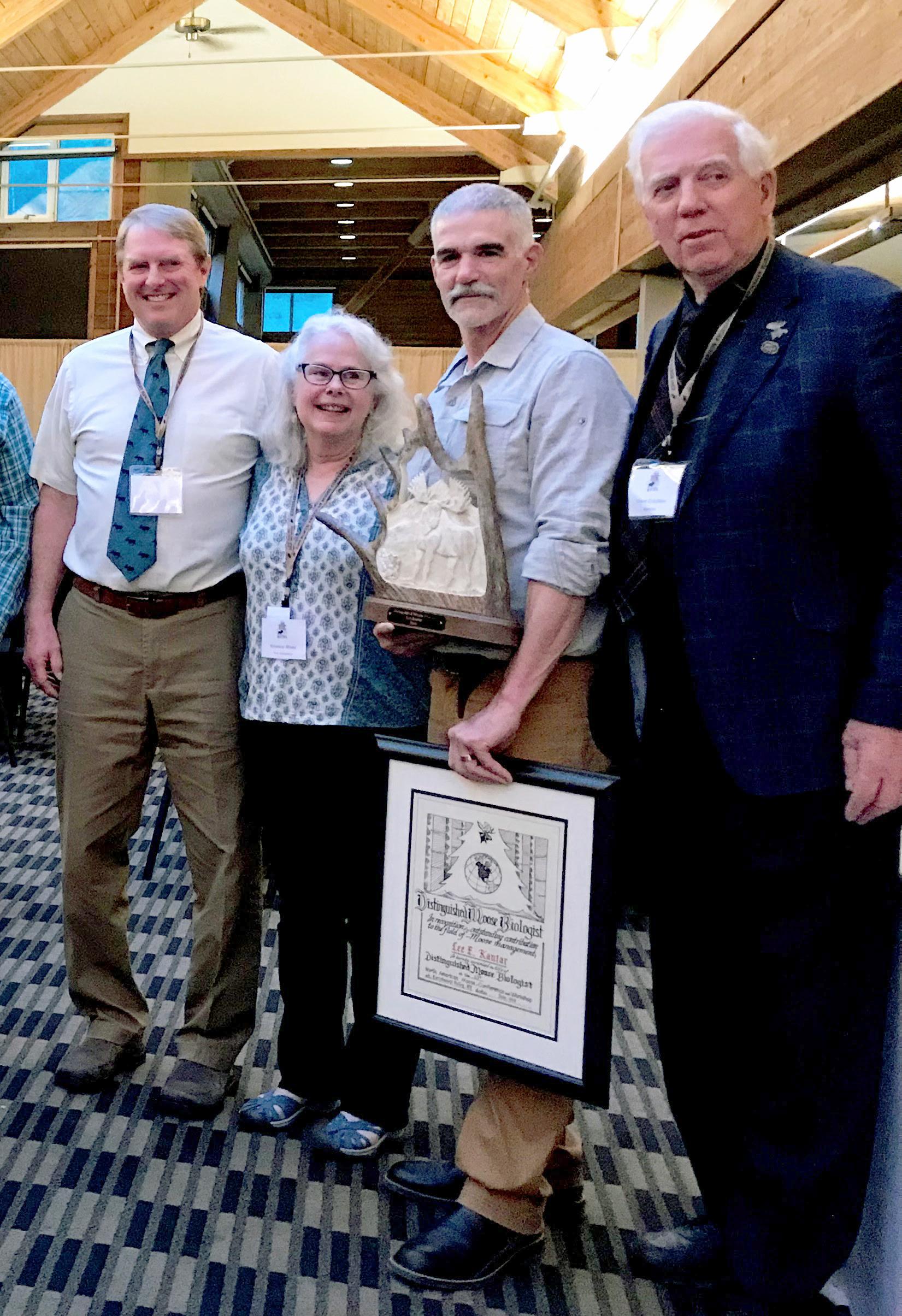 UNH alum Lee Kantar receives award
