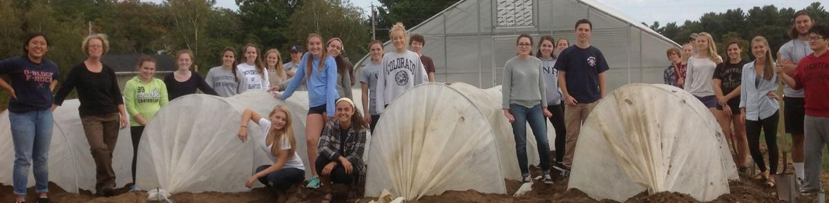 Sustainable Ag students and covered tunnels Becky Sideman