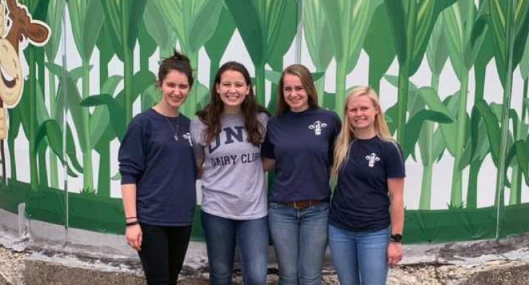 UNH dairy students at the American Dairy Science Association annual meeting